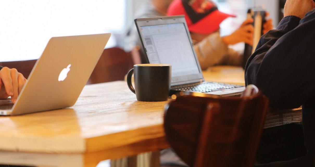 Jak zacząć sprzedawać produkty online?
