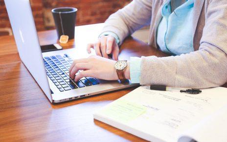 Wsparcie informacyjne dla firm w formie outsourcingu - dlaczego warto?