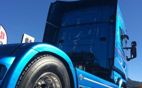Sklep z częściami do samochodów ciężarowych